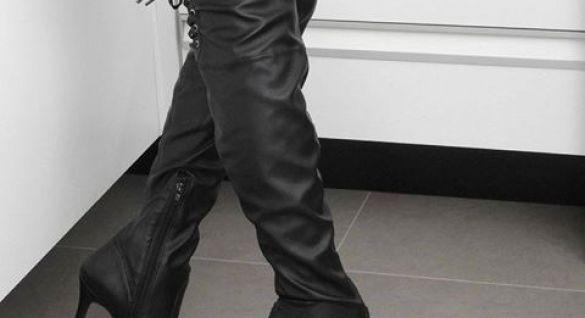 Acerte em cheio no look com essa bota poderosa.  Ref. 16-7404