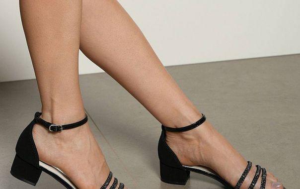 Aquela sandália versátil para acompanhar você nos dias agitados desse fim de ano. Ref. 18-20501