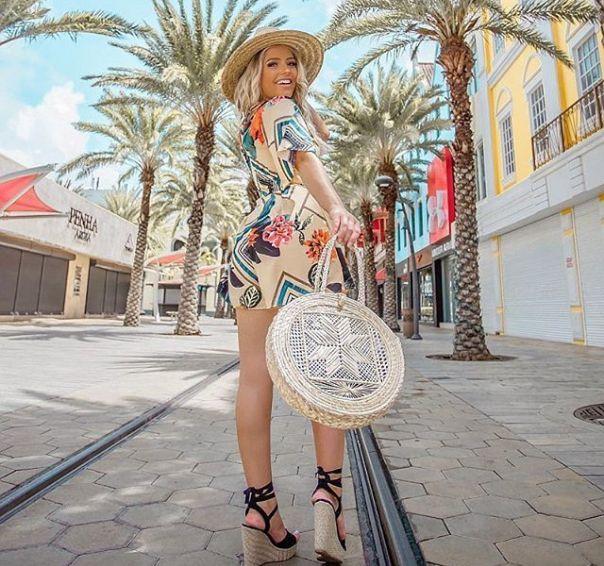 Look para se inspirar! Arrasou, @gabrielabarivieira. ?  #ViaMarte #NewIn #anabela #wedge #trend #streetstyle #fashion #style #vidadeblogueira #ootd #GarotasdoBrasil Ref. 18-19310 #regram #repost . . . . @gabrielabarivieira Cada cantinho de Aruba é apaixon