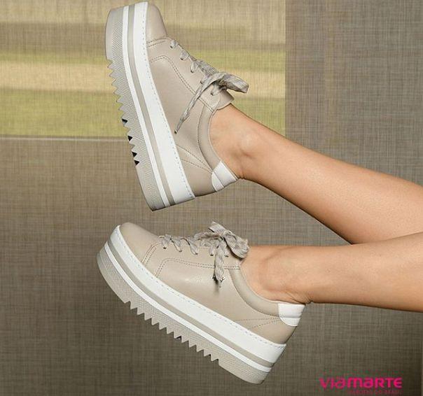 Quer um visual ousado e superfashion? Vá de casual Via Marte! ?  #ViaMarte #trend #sneaker #fashionshoes #fashion #style Ref. 18-17901