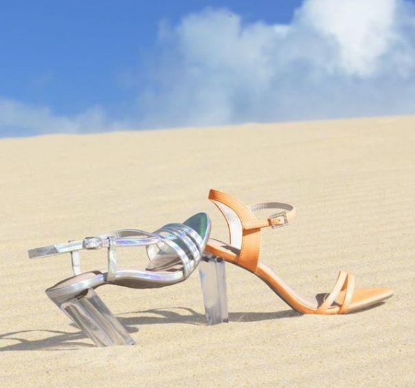 Salto transparente é hit da estação! ? Garanta a sua sandália Via Marte e arrase. #ViaMarte #GarotasdoBrasil #novidades #newin #heels Ref. 19-16356   19-16357