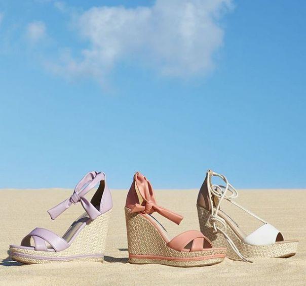 A nova coleção chegou com as anabelas mais incríveis da temporada. ? Essas sandálias vão fazer seu coração bater mais forte! #ViaMarte #GarotasdoBrasil #novidades #newin #fashionshoes #wedges Ref. 19-9201 | 19-8507