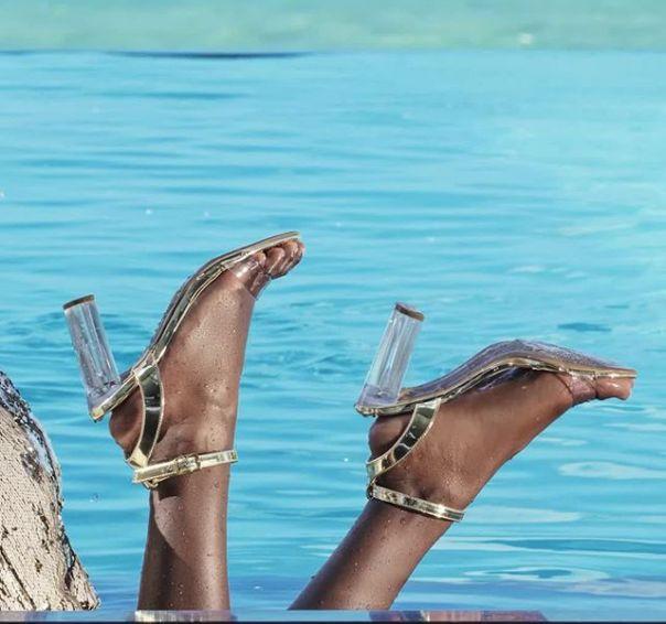 A nova coleção chegou com tudo! Como não amar essa sandália? ? #ViaMarte #GarotasdoBrasil #novidades #newin #heels Ref. 19-16355
