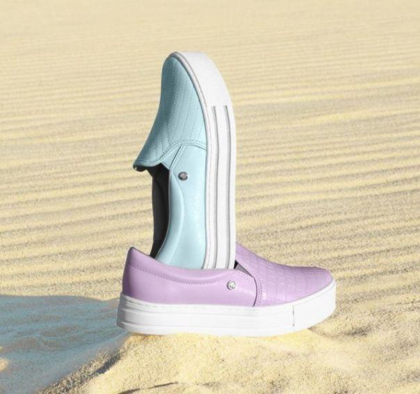 Aquele toque de cor para o visual. Os lançamentos Via Marte vão te conquistar! ?? #ViaMarte #casual #slipon #newin #fashionshoes Ref. 19-12551 | 19-12592