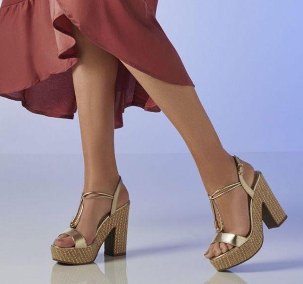 Vá de Via marte e atraia todos os olhares por onde passar nesse fim de ano. ?? #Summer2020 #NewIn #ViaMarte #heels #sandals #fashionshoes Ref. 19-8319