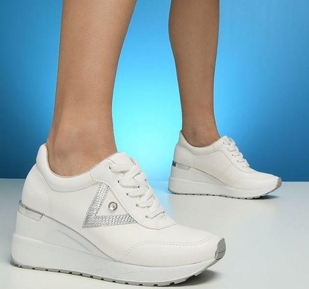 Procurando por um casual que vai bem com tudo? ? Acabou de encontrar. Invista!  #ViaMarte #summershoes #newin #fashionshoes #casual Ref. 19-12353