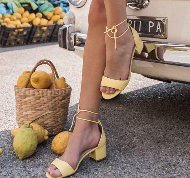Cor linda e amarração: sandália Via Marte para entrar já no clima do verão. ? #Summer2020 #NewIn #ViaMarte #sandals #heels #vidadeblogueira #fashionshoes Ref. 19-9001