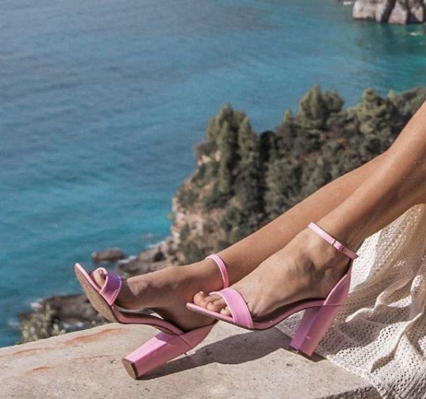 Sandália pink para colorir o seu verão. Aposte! ? #Summer2020 #NewIn #sandals #ViaMarte #heels #fashionshoes Ref. 19-10010