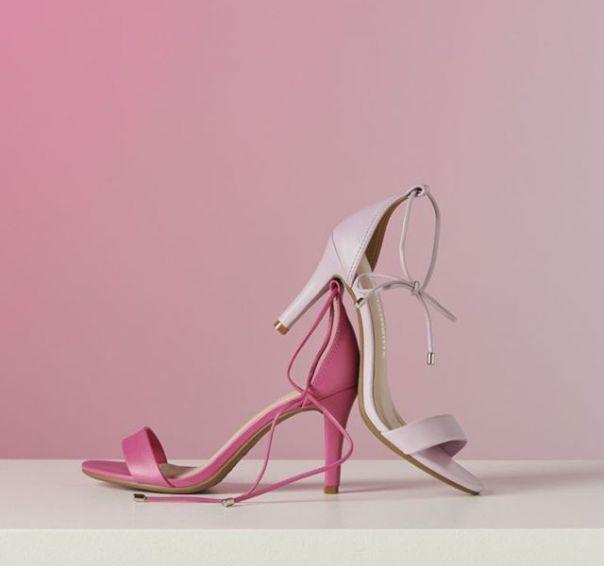 Charme e beleza definem! Qual sua favorita: sandália pink ou lilás? ?? #Summer2020 #NewIn #ViaMarte #heels #candycolor #sandals #fashionshoes Ref. 19-9708