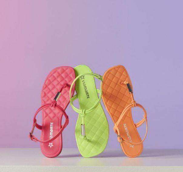Neon vibes! Como não amar essa tendência que chegou para ficar? ? #Summer2020 #NewIn #ViaMarte #flats #fashionshoes Ref. 19-20201