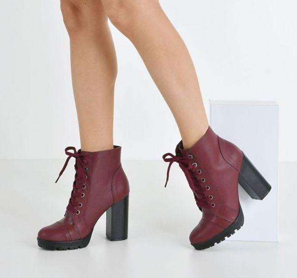 Um coturno, mil looks para você criar com ele. Invista nesse curinga fashion para atualizar seu look! ?? #ViaMarte #boots #fashionshoes #heels Ref. 20-8504