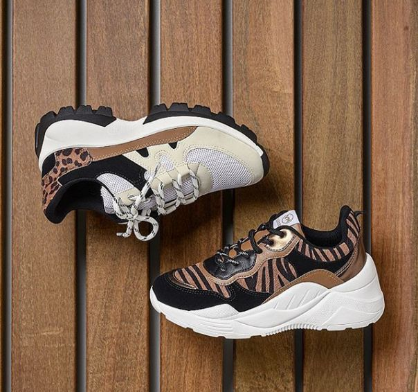 As texturas em animal print deixam os casuais muito mais charmosos. ? #ViaMarte #casual #fashionshoes #FashionWinter #AnimalPrint Ref. 20-7604 I 20-2901